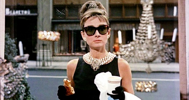 breakfast-at-tiffanys-1961-006-audrey-hepburn-sunglassses