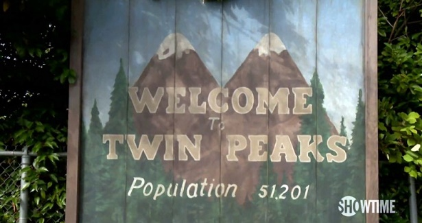 twin-peaks-teaser-welcome-to-twin-peaks-sign-785x441
